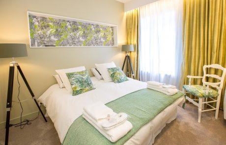 Chambre double avec lit parental de l'appartement Angélique à Cheverny