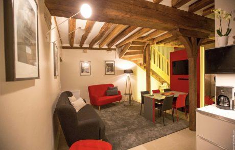 Salon de l'appartement Marguerite à louer à Cheverny